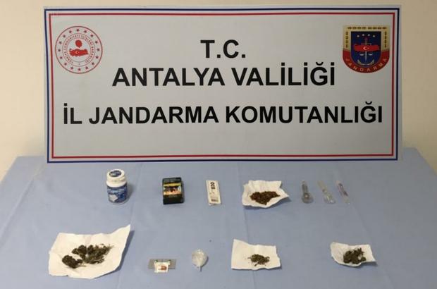 Manavgat'ta üzerinde esrar maddesi ele geçirilen 2 kişi gözaltına alındı