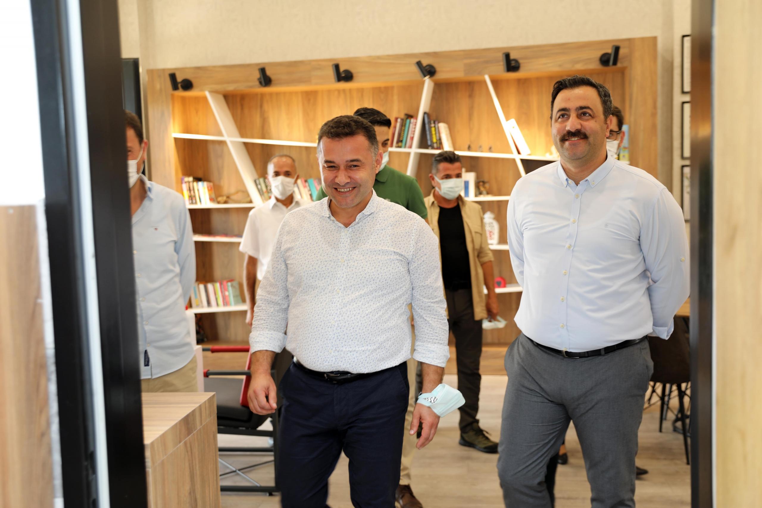 Alanya Belediye Başkanı Adem Murat Yücel, Alkü Gençlik Hizmetleri Birimi'ndeki Çalışmaları Yerinde İnceledi
