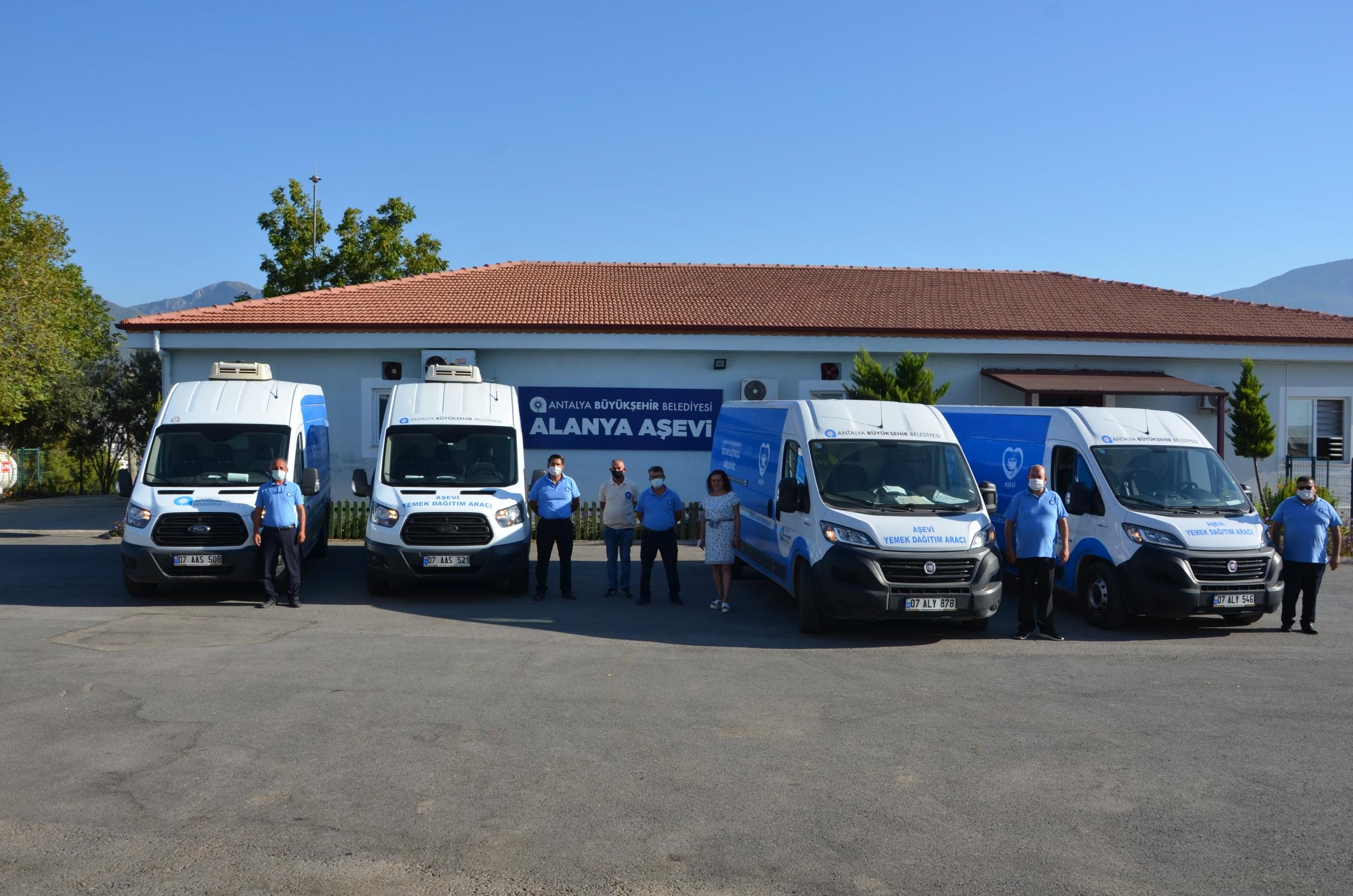 Alanyalı çocuklar için Ekim ayı içinde 5 bin 768 litre süt dağıtımı gerçekleştirildi