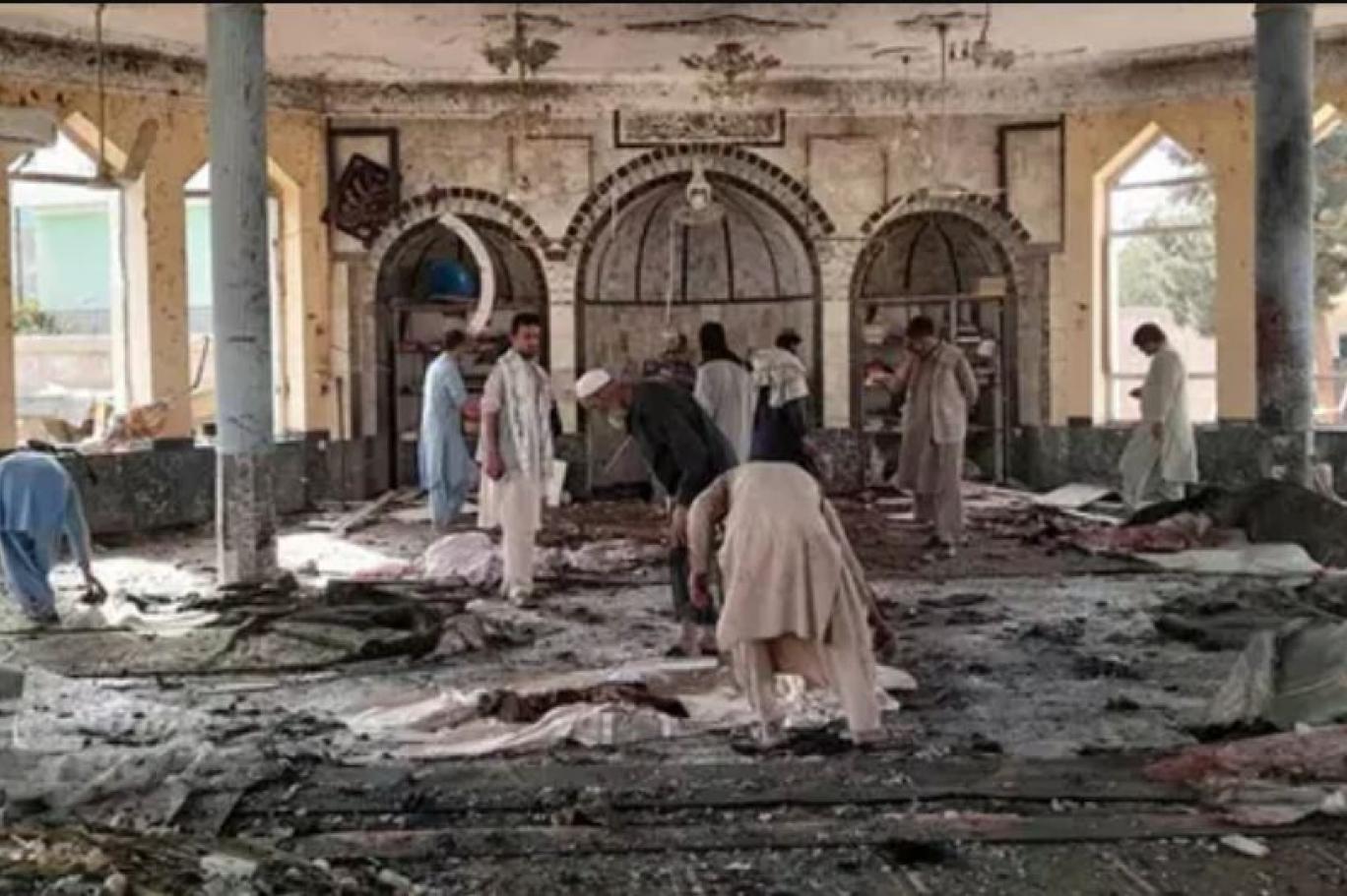 Afganistan'da 47 kişinin öldüğü cami saldırısını IŞİD üstlendi