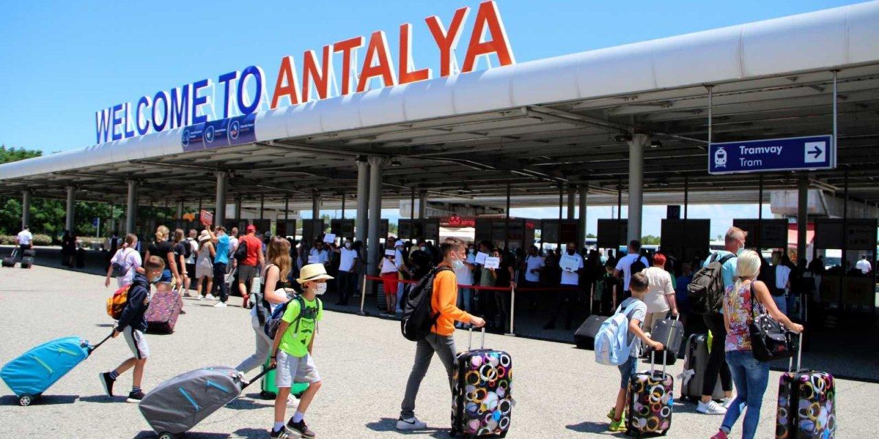 Antalya Turizmdeki En İyi Ekim Ayını Yaşıyor